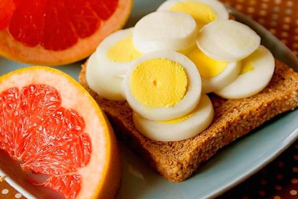 что собой представляет яичная диета Магги