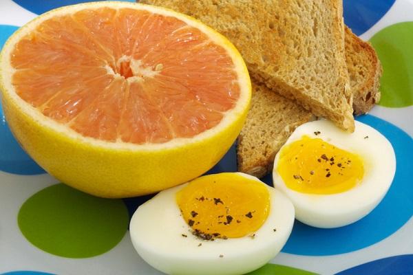 Яично Грейпфрутовая Диета 2 Недели. Яично-грейпфрутовая диета: правила, запрещенные и разрешенные продукты, меню на 3, 7 дней, отзывы