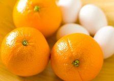 В чем суть диеты на яйцах и апельсинах?