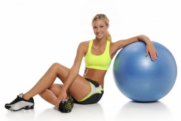 что нужно учитывать при выполнении упражнений с мячом для фитнеса