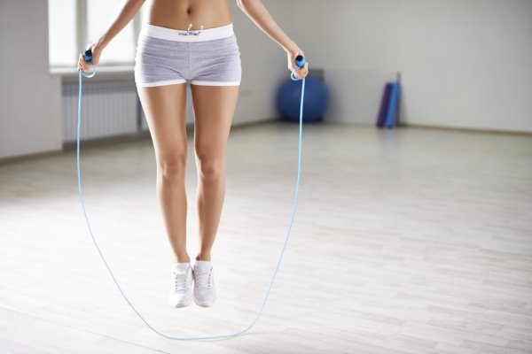 что нужно учитывать при выполнении упражнений со скакалкой