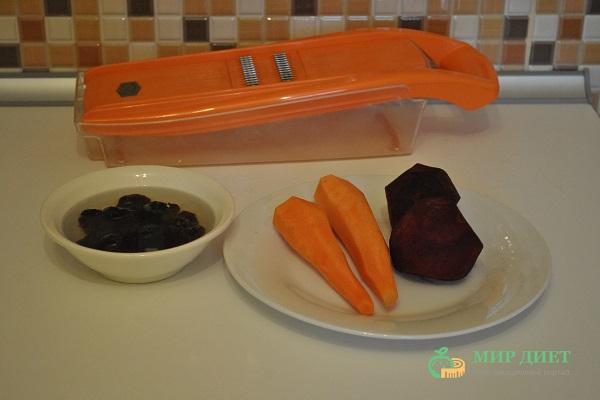 витаминный салат с морковью и свеклой